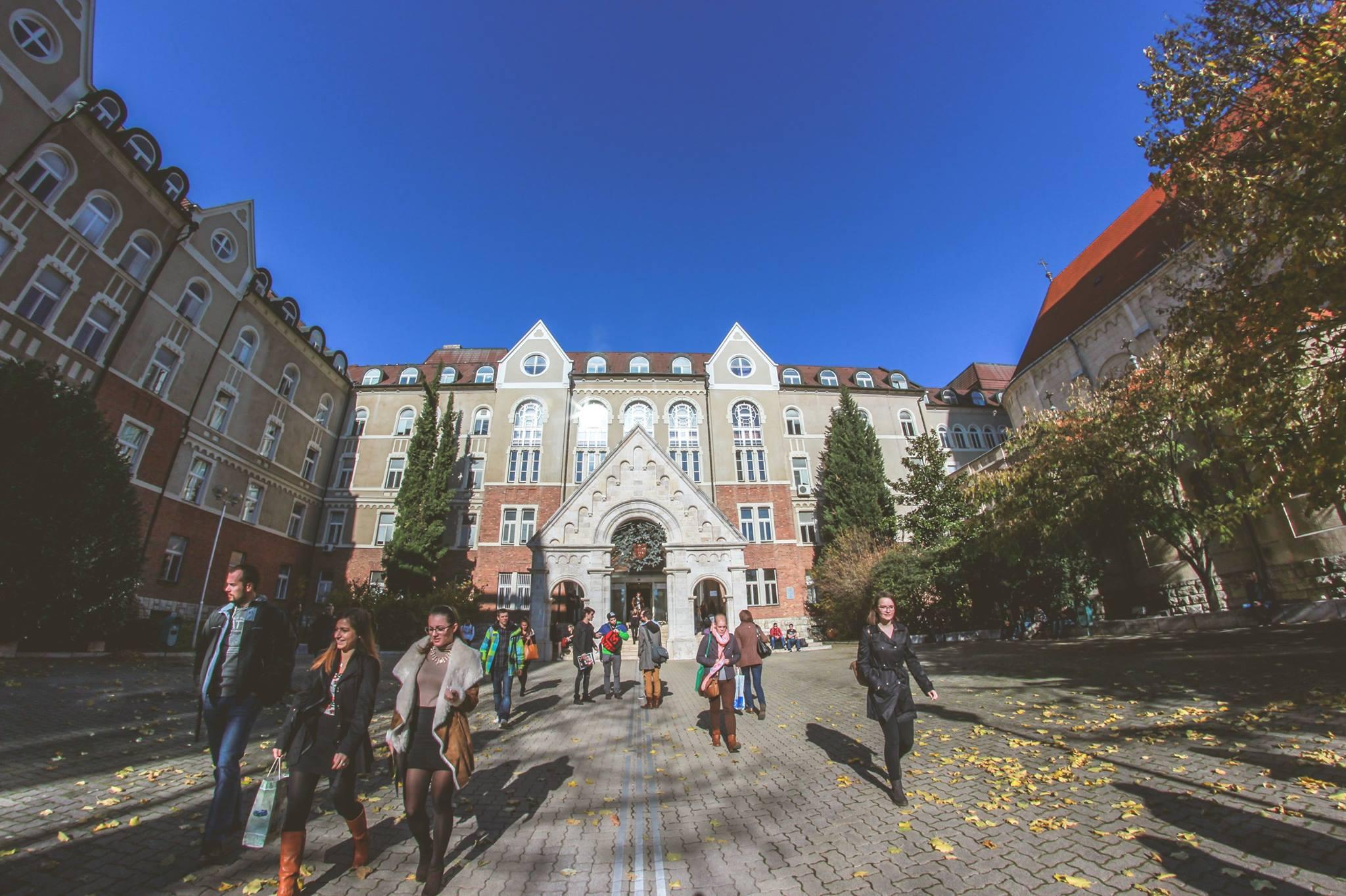 University of Pécs Prüfung