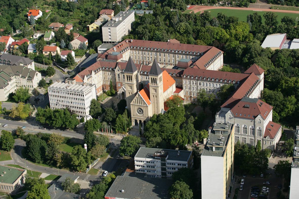Universität Pécs